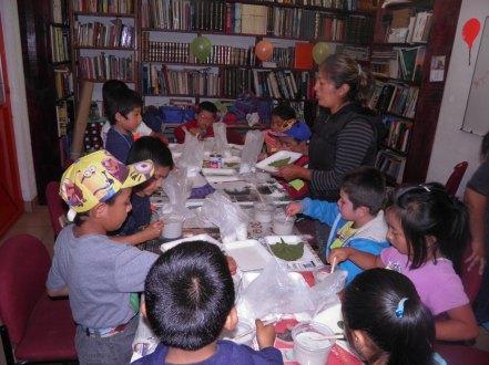 Talleres en la biblioteca del Centro Comunitario